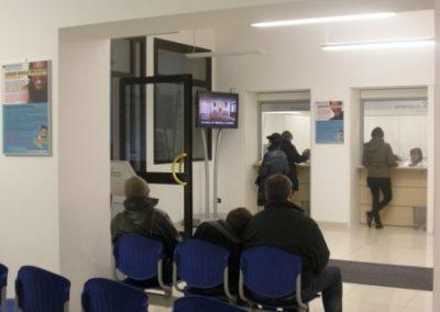 Entrata, casse, accettazione e sala d'attesa