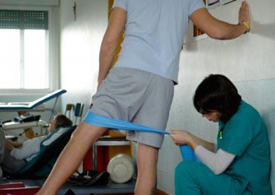 Esercizi di riabilitazione elastico